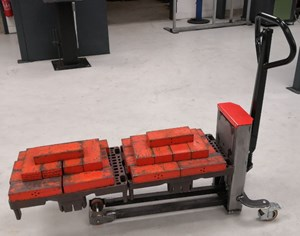 Samples custom-built products, Quarter pallet lifter with long fork
